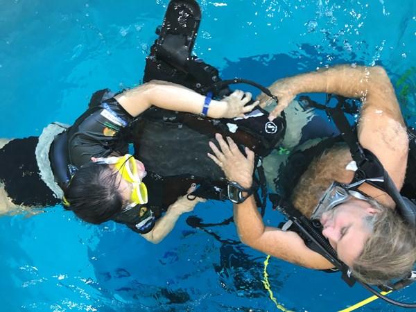 Séance de baptême piscine